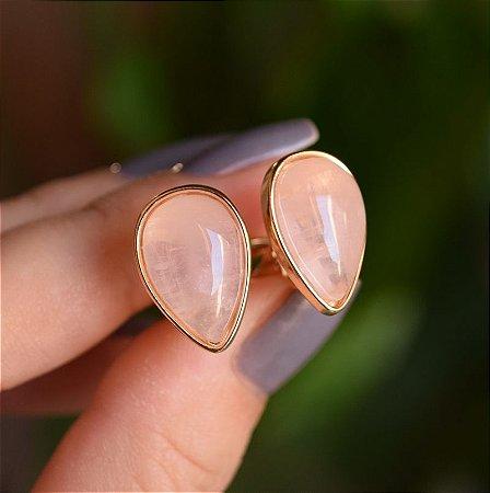 Brinco pressão gota invertida pedra natural quartzo rosa ouro semijoia