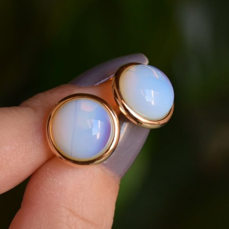 Brinco pressão redondo pedra natural opalina ouro semijoia