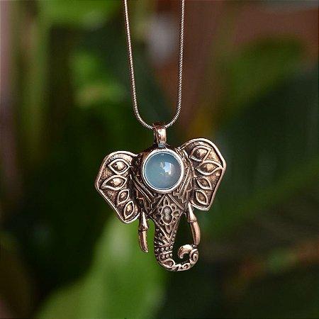 Colar elefante com pedra natural ágata azul céu prata velho semijoia