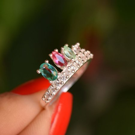 Anel prata 925 coroa zircônias verde e rosa