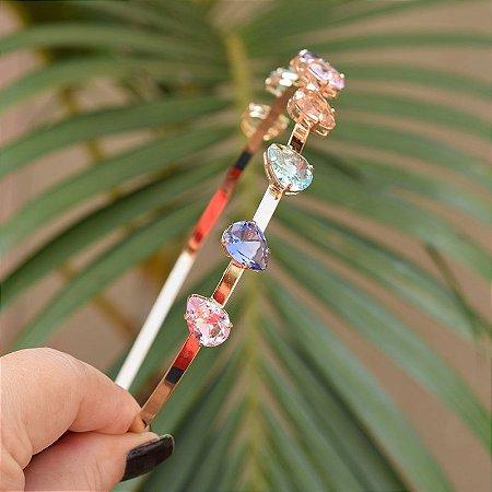 Tiara metal dourado com cristais gotas coloridas