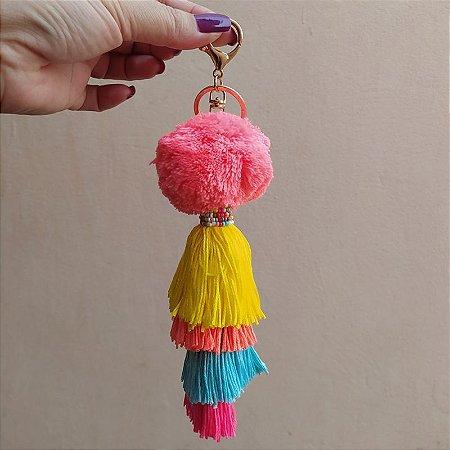 Chaveiro pompom rosa tassel colorido