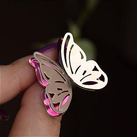 Brinco borboleta asa dupla vazada esmaltada rosa ouro semijoia