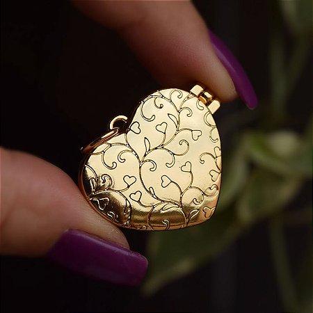 Pingente relicário coração ouro semijoia