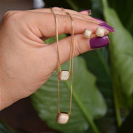 Colar duplo e brinco quadrado pedra natural amazonita bege ouro semijoia