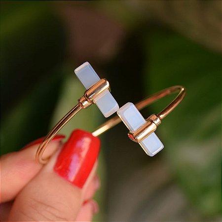 Bracelete ajustável geométrico pedra natural opalina ouro semijoia