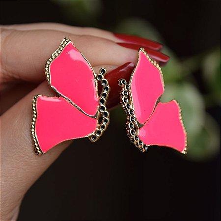 Brinco borboleta metal esmaltado rosa neon