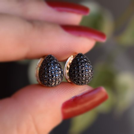 Brinco argolinha gota zircônia black ouro semijoia 17K05035