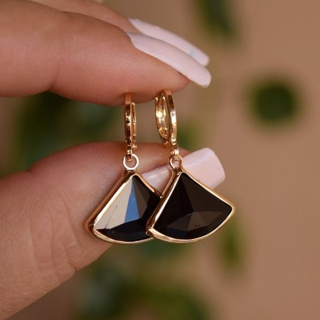 Brinco argolinha penduricalho cristal preto ouro semijoia