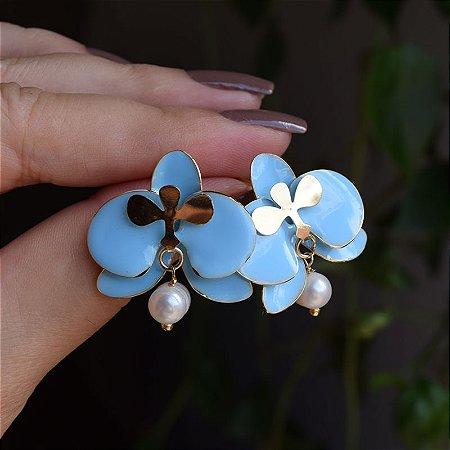 Brinco orquídea azul com pérola barroca