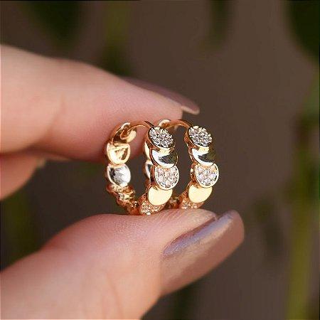 Brinco argolinha chapas zircônia ouro semijoia 19K11016