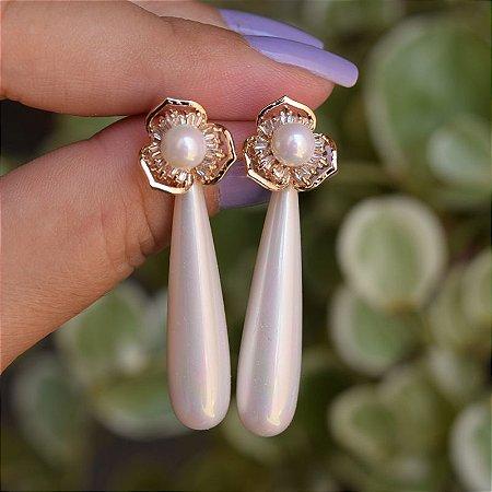 Brinco flor pérola zircônia ouro semijoia