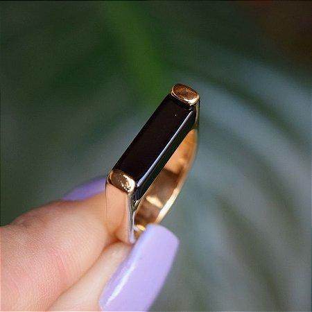 Anel reto pedra natural ágata preta ouro semijoia
