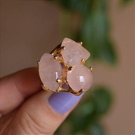 Anel 3 pedras naturais quartzo rosa ouro semijoia