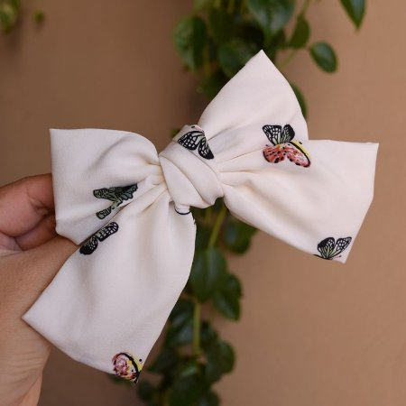 Presilha laço borboletas branco