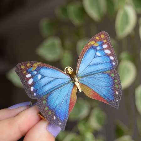 Presilha bico de pato metal borboleta colorida