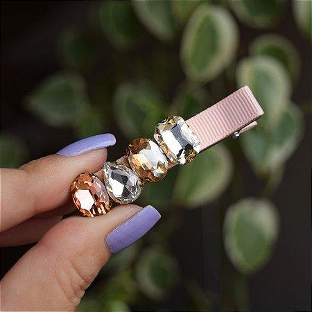 Presilha bico de pato gorgurão bege claro cristais coloridos