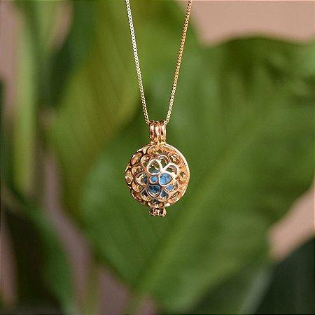 Colar Chamador de Anjo pedras naturais ouro semijoia