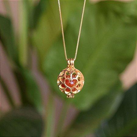 Colar Chamador de Anjo coração pedras naturais ouro semijoia