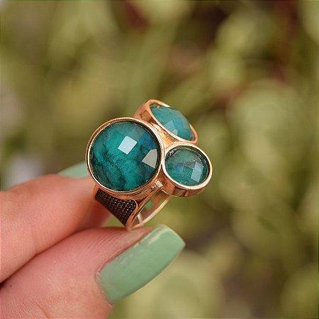 Anel pedras naturais esmeralda ouro semijoia