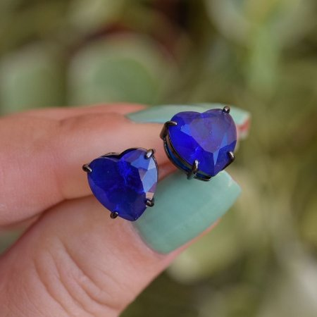 Brinco coração cristal azul ródio negro semijoia