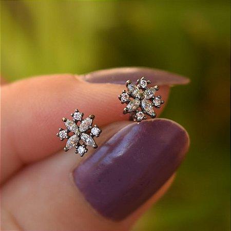 Brinco mini flor zircônia cristal ródio negro semijoia 19K11112