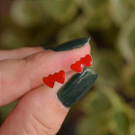 Brinco infantil corações esmaltados vermelho ouro semijoia