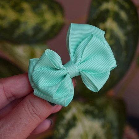 Presilha bico de pato infantil laço verde água
