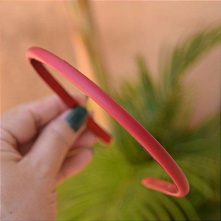 Tiara fina couro sintético vermelho