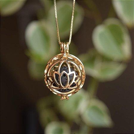 Colar Chamador de Anjo g flor de lótus pingente difusor ouro semijoia