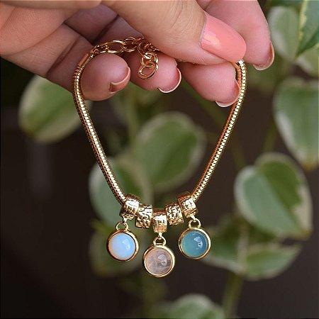 Pulseira pedras naturais opalina quartzo rosa e ágata azul céu ouro semijoia