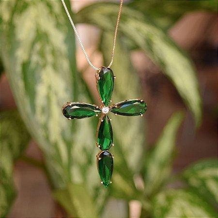Colar crucifixo cristal verde ouro semijoia