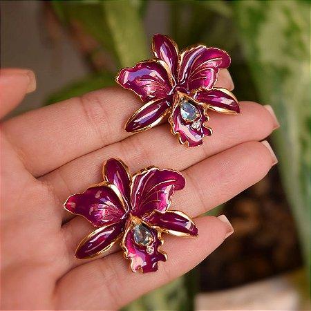 Brinco orquídea fucsia dourado