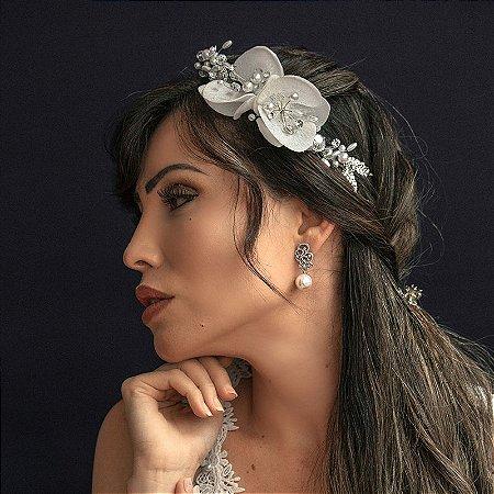 Arranjo para cabelo coque noiva flores cristais e pérolas ródio semijoia