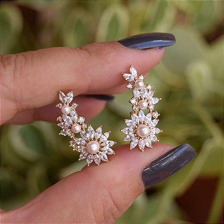 Brinco ear cuff flor zircônia ouro semijoia 19A10068