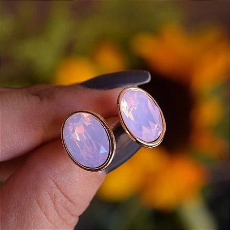 Brinco oval Leticia Sarabia cristal rosa dourado