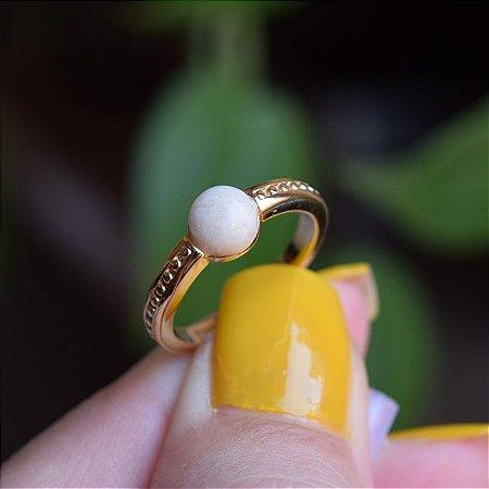 Anel pedra natural amazonita bege ouro semijoia