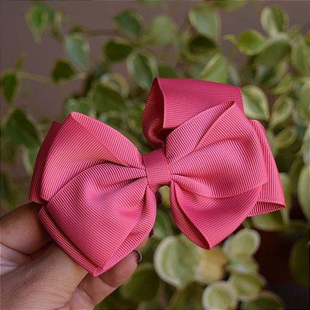 Presilha bico de pato infantil laço rosa goiaba