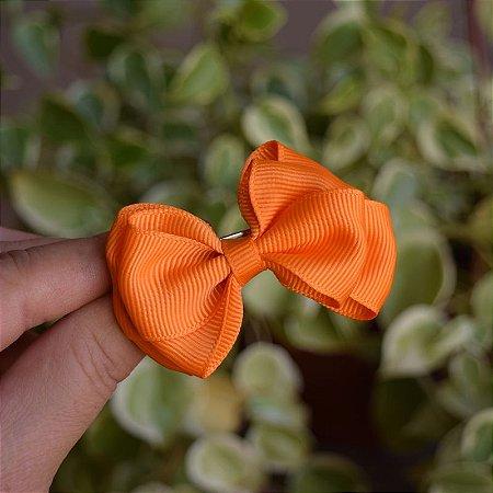 Presilha bico de pato infantil laço laranja
