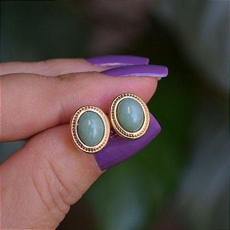 Brinco oval pedra natural quartzo verde ouro semijoia