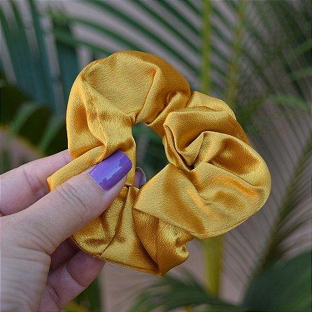 Rabicó fru fru cetim amarelo dourado