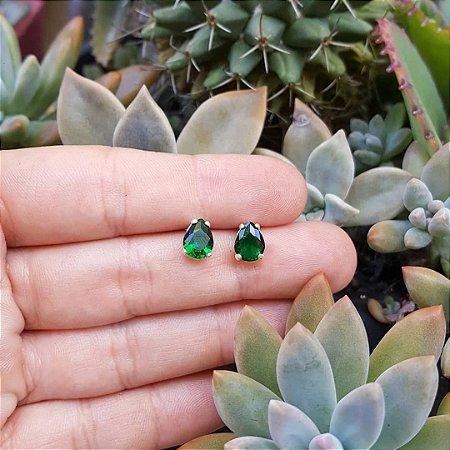Brinco gota de zircônia verde-esmeralda