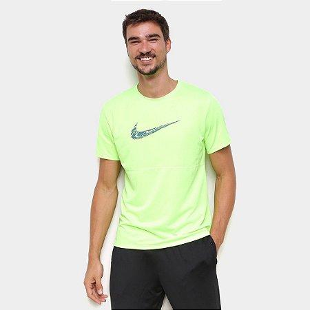 Camiseta Nike Breathe Wild Run Masculina Verde Neon