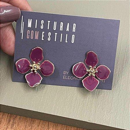 Brinco Flor Quatro Pétalas Pequena - Uva