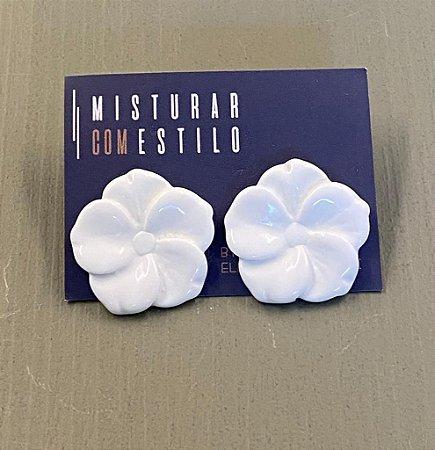 Brinco Flor de Resina Pequena - Branca