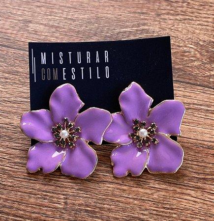 Brinco Flor Metal Esmaltada Grande - Lavanda