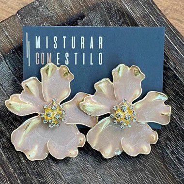 Brinco Flor com Curvas Esmaltadas - Rose
