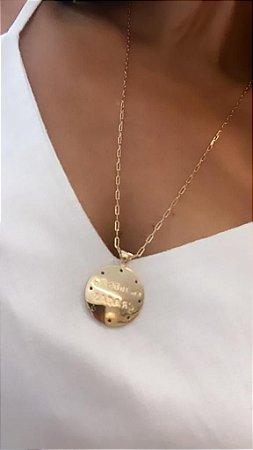 """Colar com Medalha """"Em Tudo Dai Graças"""" corrente Cartier Fina - Dourado"""