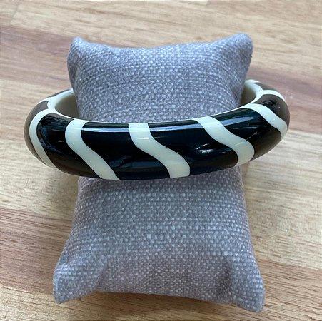 Bracelete de Resina - Preto e Branco