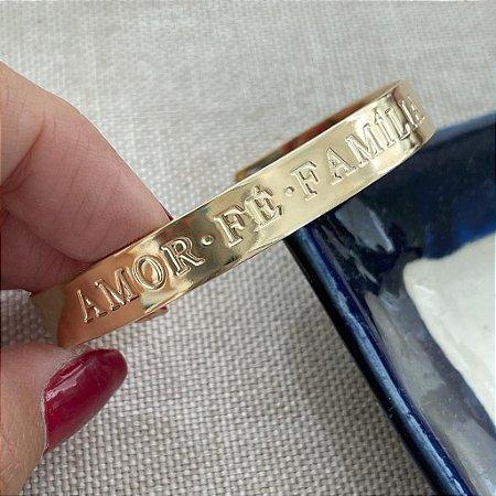 Bracelete - Amor, Fé, Família - Dourado Liso